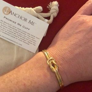 Anchor Me Cuff Braclet